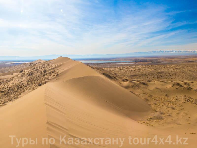 Поющий бархан. Алтын-Эмель. Туризм отдых в Казахстане.